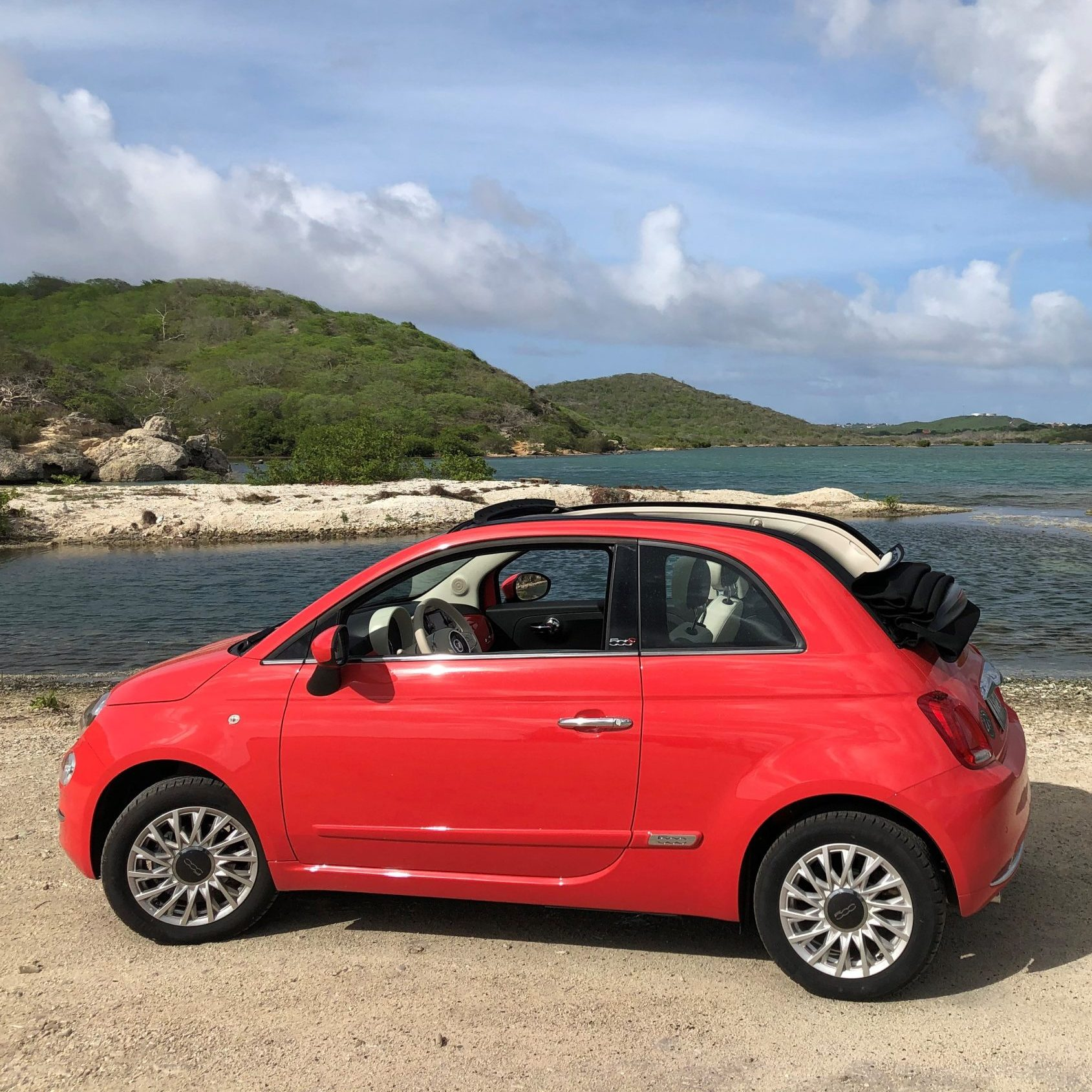 Fiat 500 cabrio coral red manual - USD 55 p.d.*