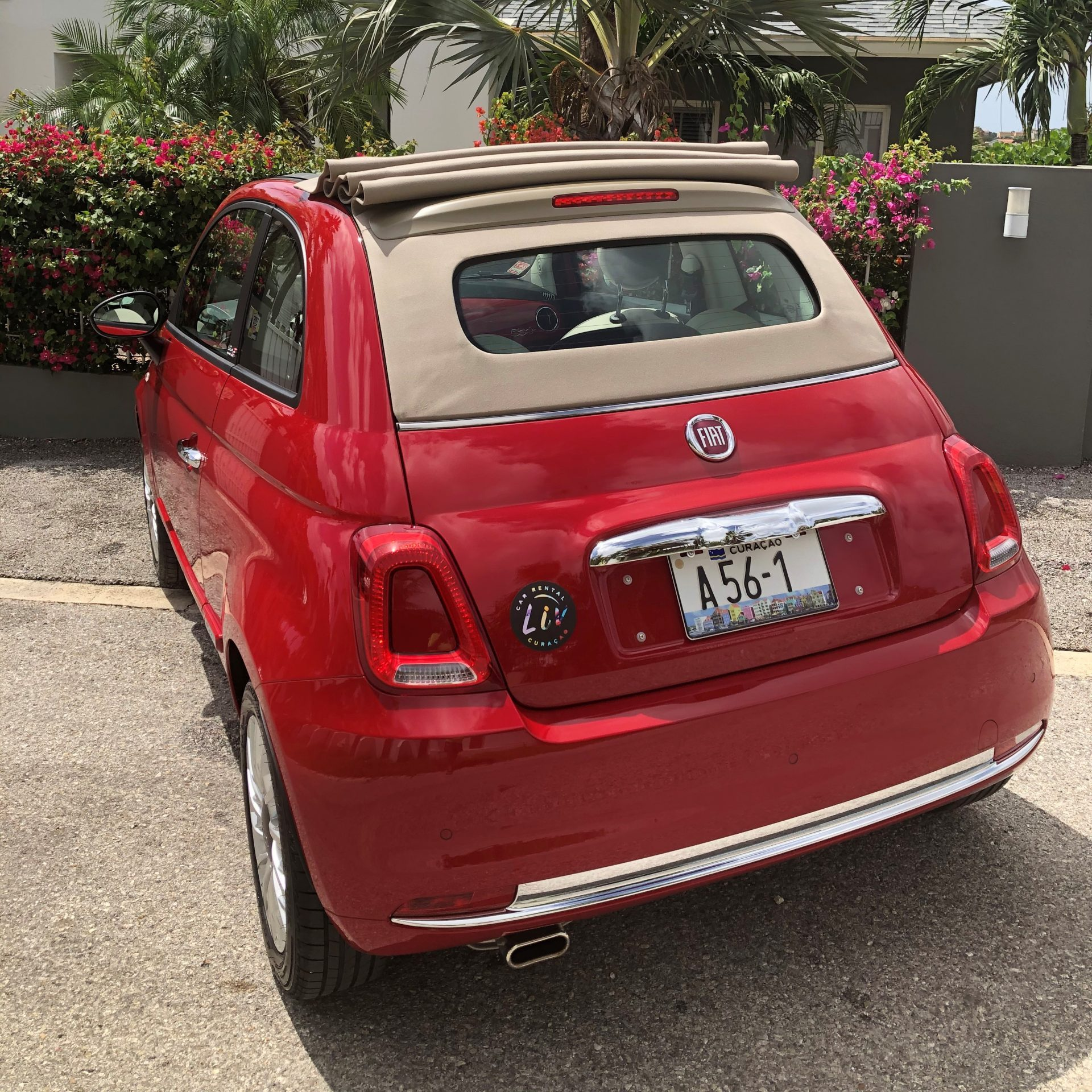 Fiat 500 cabrio red automatic - USD 60 p.d.*