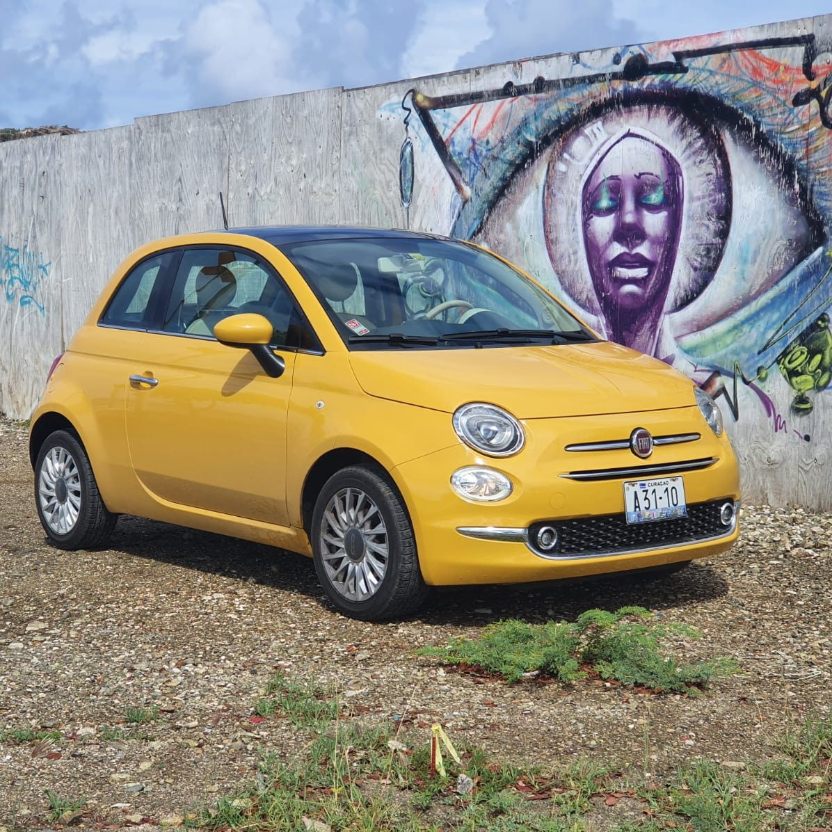Fiat 500 yellow manual - USD 50 p.d.*